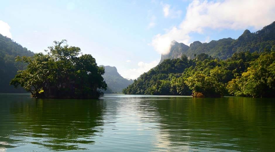 3 cách khám phá hồ Ba Bể và xung quanh