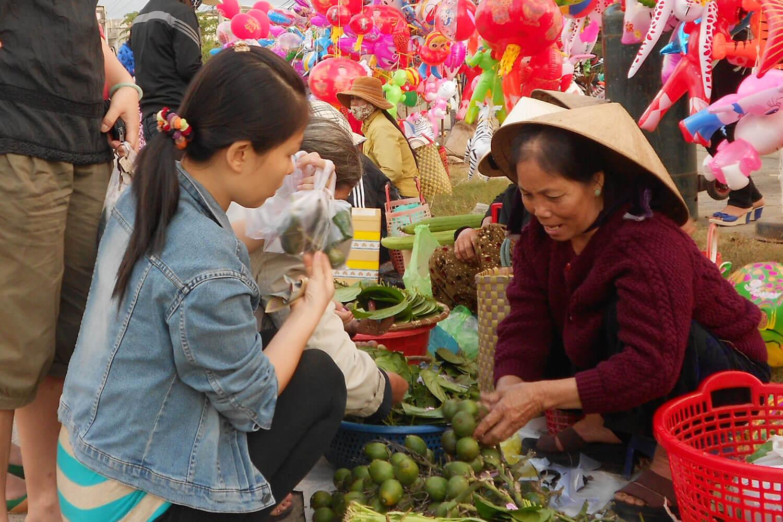 Khám phá 4 phiên chợ tết độc đáo tại miền Trung