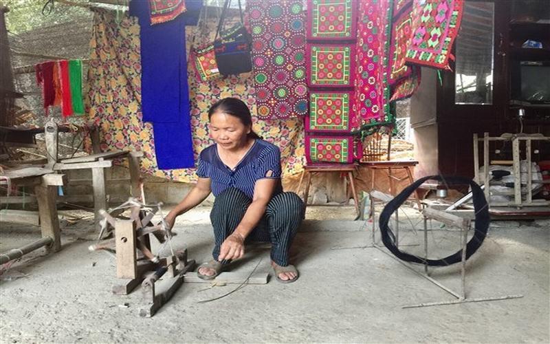 Làng nghề dệt thổ cẩm Lũng Nọi, Cao Bằng