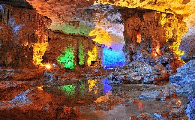 Top 5 hang động đẹp nhất Vịnh Hạ Long