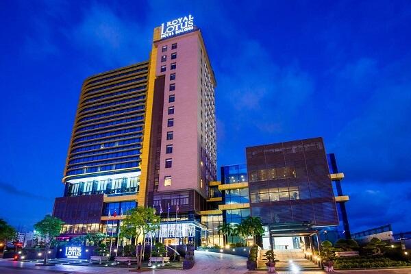 Free & Easy: Du lịch Hạ Long: Khách sạn Royal Lotus 4 sao