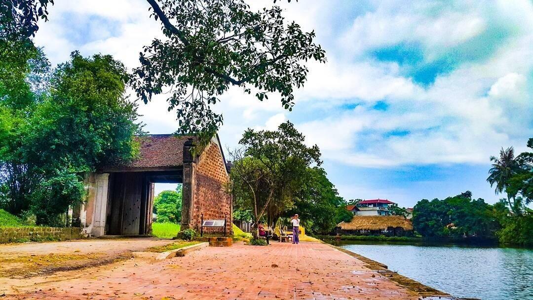 Tour ghép Làng cổ Đường Lâm – Thành cổ Sơn Tây 1 ngày
