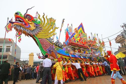 Những lễ hội du xuân đầu năm nổi tiếng tại miền Trung – Phần 3