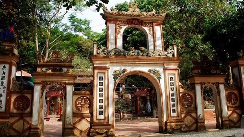 Tour Đền ông Hoàng Bảy - Đền Cô bé Tân An