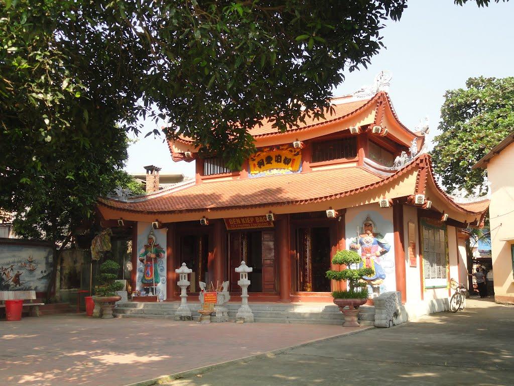 Tour 11 đền nổi tiếng tại Tuyên Quang