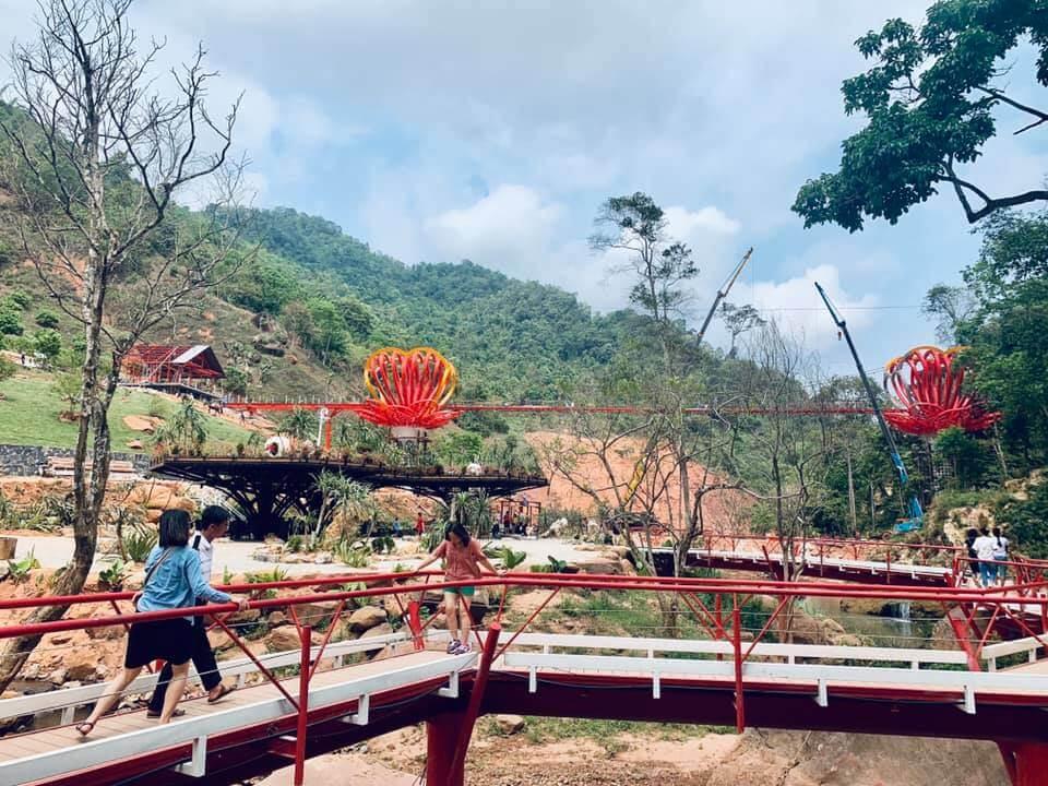 Tour Mộc Châu 2 ngày - Khám phá Cầu Kính Tình Yêu