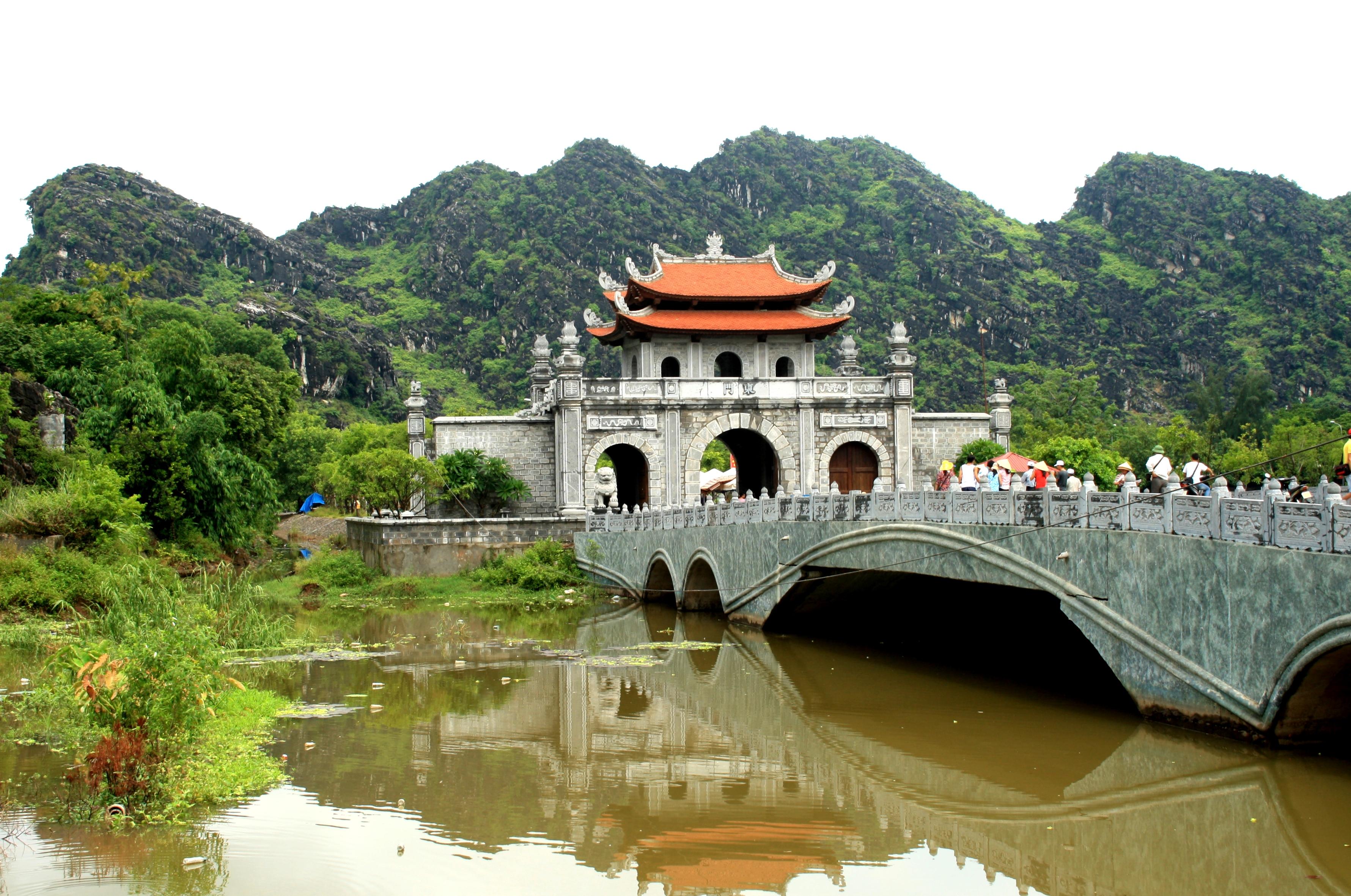Tour ghép Hoa Lư – Tam Cốc – Cúc Phương 2 ngày