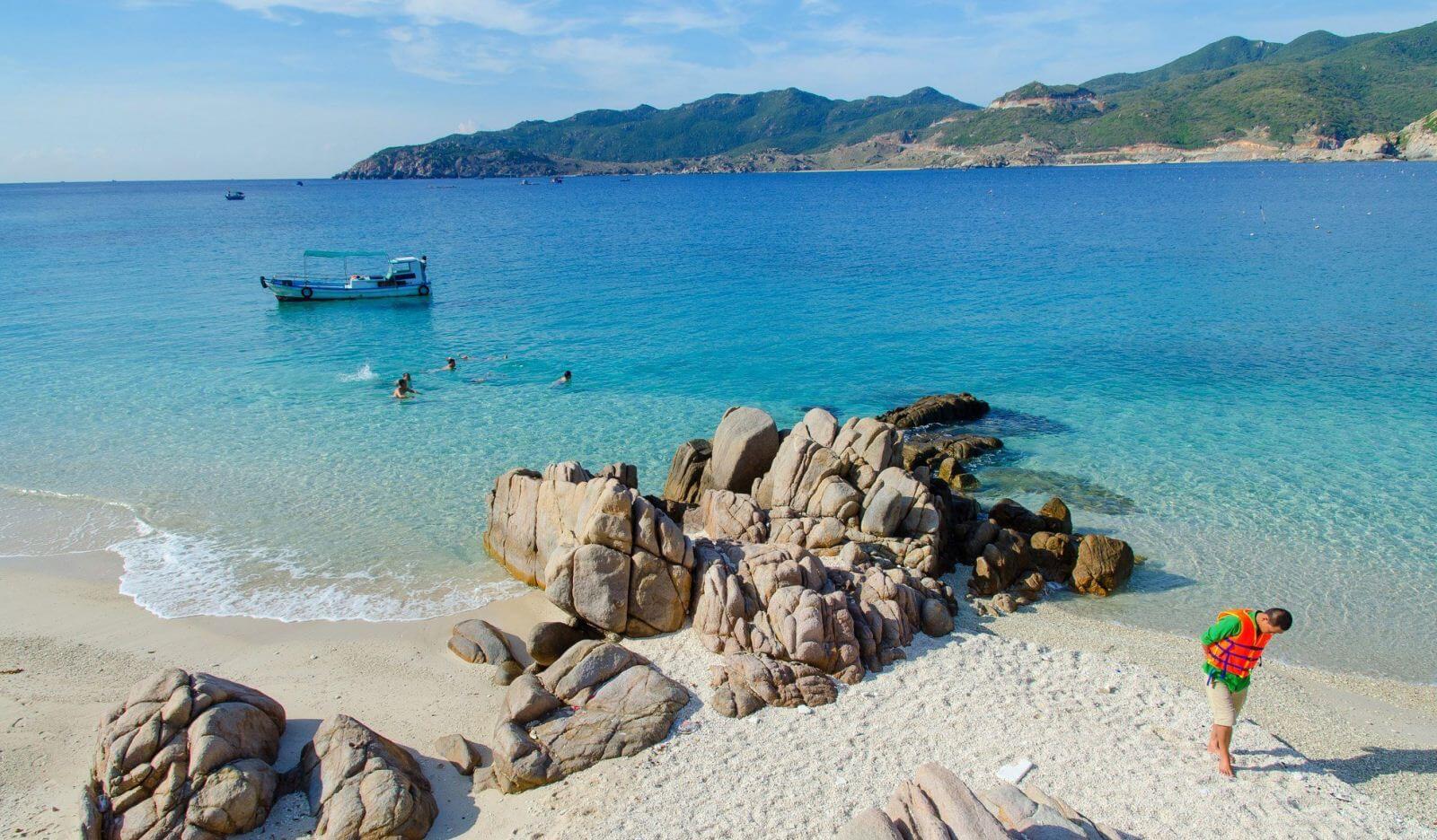 Top 8 điểm du lịch Ninh Thuận hấp dẫn nhất