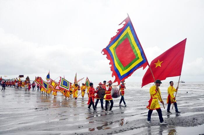 7 lễ hội không thể bỏ lỡ khi đến Quảng Ninh